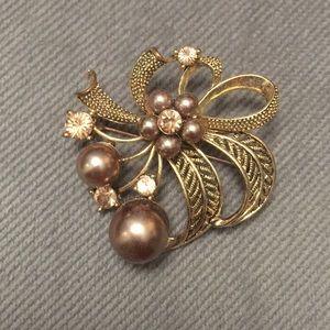 Beautiful gold brooch